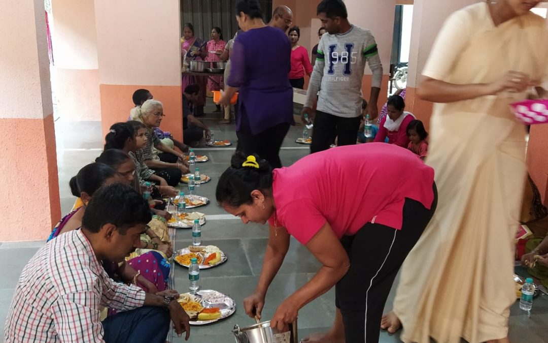 Andheri East parishes sharing meals with the poor of all faiths
